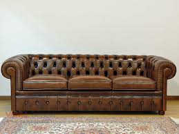 poltrona in pelle vintage divano chesterfiel 3 posti in pelle vintage chesterfield sofa