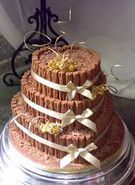 country style wedding cakes money savers arms cxx serving beer
