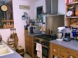 objets deco cuisine objets cuisine planche dcouper beige marbre euros planche