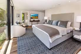 6 Bedroom Kendall Jenner Forks Over 6 5 Million For Hollywood Hills Pad