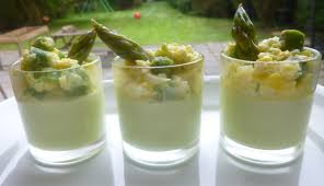 cuisiner asperges vertes fraiches verrines crème d asperges vertes mimosa d asperges aux oeufs