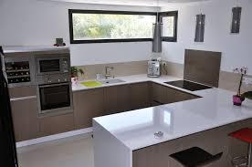 cuisine blanc laqué et bois cuisine blanc laqué et effet bois agencement intérieur montpellier