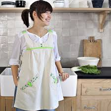 tablier cuisine femme un tablier de cuisine au style rétro