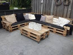 canapé avec palette meuble en palette 81 idées diy pour votre espace maison outdoor