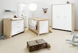 commode chambre bébé chambre bébé lit commode armoire candeo pinolino chambres bébé