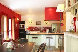 cuisine chaude les couleurs chaudes en déco symboliques idées et conseils