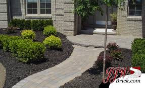 Small Shrubs For Front Yard - simple front yard landscaping idea for home in macomb county