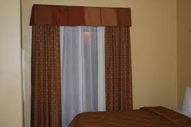 Hotel Room Darkening Curtains Curtains Drapery Hardware Used In Hotels Curtain Tracks