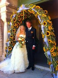 decoration eglise pour mariage arche nuptiale de fleurs pour la décoration d église pour votre