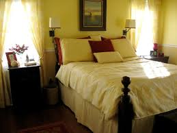 Bedrooms With Yellow Walls Desperate For Yellow Bedroom Pics
