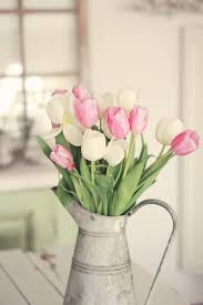 Spring Decorating Ideas How To Incorporate Tulips Into Your Spring Décor 49 Ideas Digsdigs