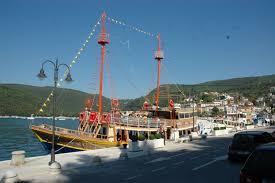 klinica boat excursions