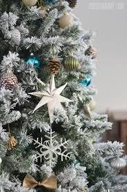 why is tree decorated silver and white tree