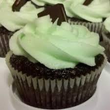 mint buttercream frosting with dark chocolate glaze recipe