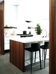 cuisine en u avec table table haute bar bois awesome mange debout table haute meuble bar