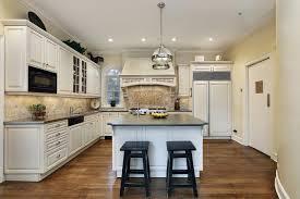 cuisine luxueuse la cuisine avec ilot cuisine bien structurée et fonctionnelle