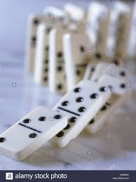 domino dominos fall down chain reaction dominoes gaming pieces domino