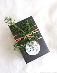 Pretty Christmas Trees Decorated With Presents Rustic Christmas Gift Wrapping Ideas Mountain Modern Life