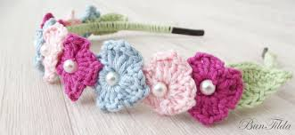 crochet flower headband diy simple crochet flower headband with 3 colors green