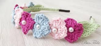 flower headbands diy diy simple crochet flower headband with 3 colors green