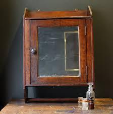 Simple Medicine Cabinet Simple Vintage Medicine Cabinet Build A Vintage Medicine Cabinet