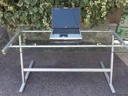 bureau ikea verre et alu bureau ikea en verre une table pour manger ronde avec plateau en