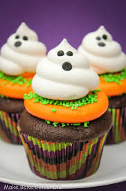 Halloween Cupcakes Cakes by Best 25 Ghost Cupcakes Ideas On Pinterest Halloween Cupcakes