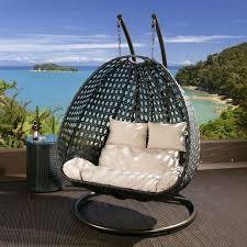 chaise suspendu fauteuil suspendu un meuble au design amusant et stylé bakers