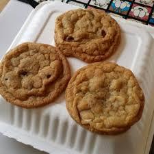 bumzy s chocolate chip cookies 83 photos 101 reviews