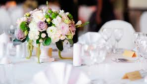 wedding planning tips for working with a wedding planner