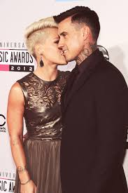 carey hart hair flat stomach the key to attractiveness carey hart jealous and