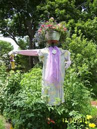 Wacky Garden Ideas 73 Best Scarecrows Images On Pinterest Scarecrow Ideas