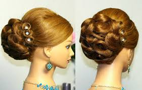 curly hairstyles for wedding pictures of long wavy curly hairstyle