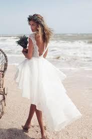 brautkleider fã r strandhochzeit die besten 25 romantische strand hochzeiten ideen auf