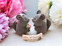 lovely chinchillas wedding cake toppers