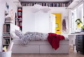 rangement livre chambre rangement pour la chambre tête de lit table de chevet petits