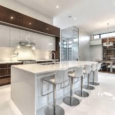 cuisine alu et bois armoires de cuisine moderne en merisier laqué et noyer tranché