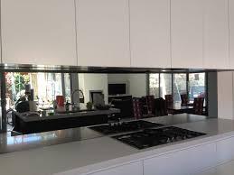 kitchen splash guard ideas best 25 mirror splashback ideas on kitchen splashback