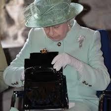 queen handbag the queen s handbag thequeenshandba twitter