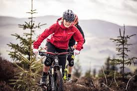 mtb cycling jacket endura launches new singletrack mountain biking rain jacket