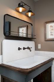 Antique Bathroom Decorating Ideas by Best 20 Vintage Bathrooms Ideas On Pinterest Cottage Bathroom