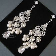 vintage wedding earrings chandeliers inspired chandelier wedding earrings white ivory pearl