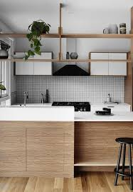 cuisine bois et blanche la cuisine blanche et bois en 102 photos inspirantes archzinefr