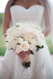 wedding flowers roses white roses bridal bouquet bouquet wedding flower