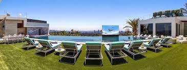 piscine en verre video u2013 la maison la plus chère des etats unis et sa piscine à