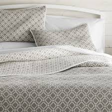California King Quilts And Coverlets Quilts U0026 Coverlets King Queen Full U0026 Twin Crate And Barrel