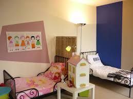 chambre pour deux enfants une chambre deux enfants deux espaces la déco décodée
