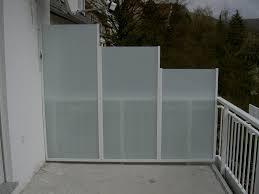 balkon sichtschutz aus glas windschutz fr balkon aus glas möbel ideen und home design