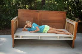 diy upcycled pallet wood daybed 99 pallets