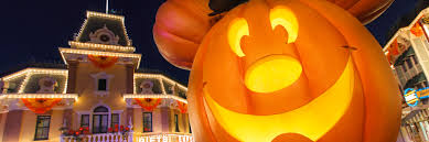 what are the park regular hours on the hallow disney parks